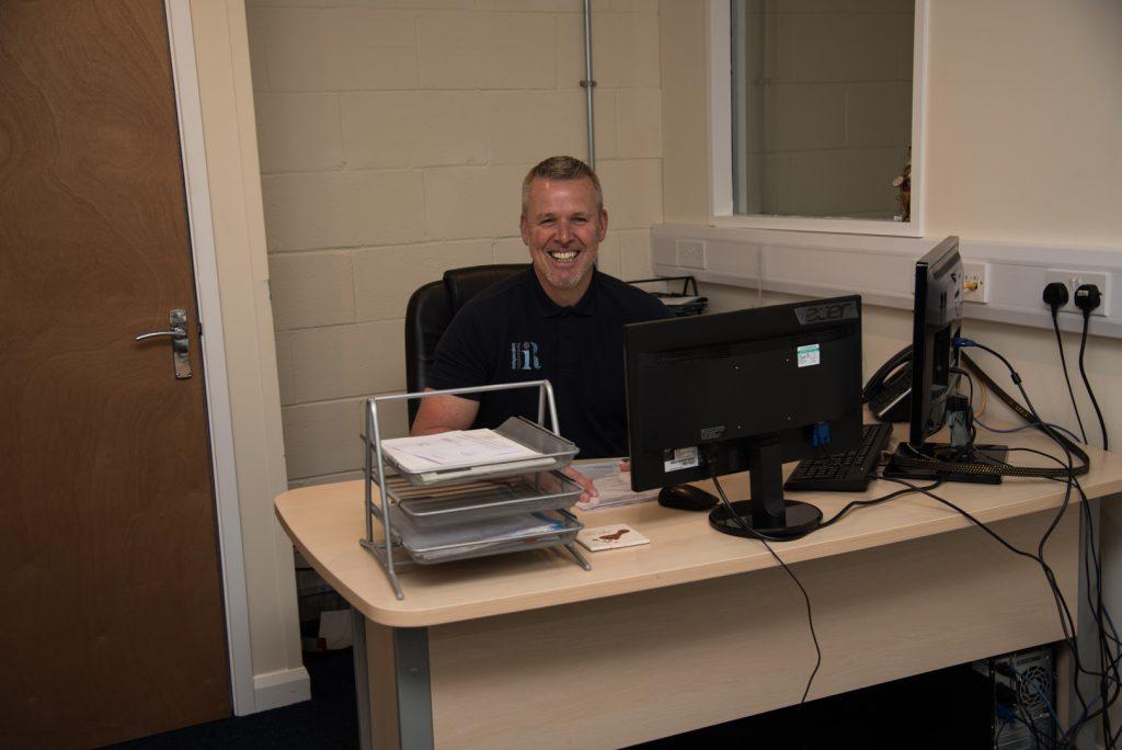 Richie Desk 1